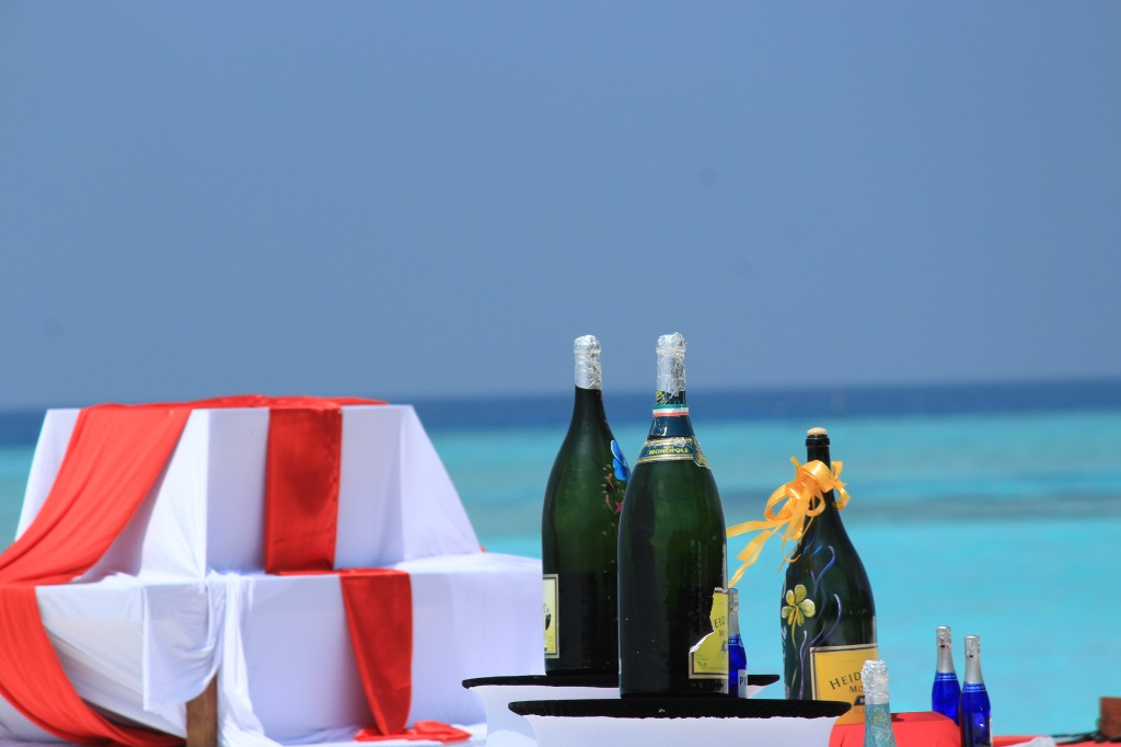 Valentines Day in Maldives can be a blue theme